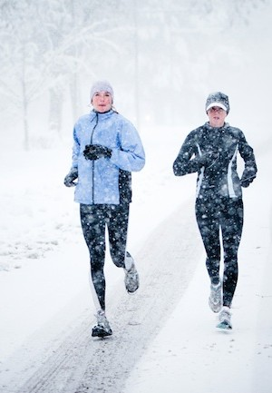 woman-working-out-during-winter